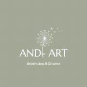 Zöld és sárga  selyemvirágokból készült tavaszi kopogtató.