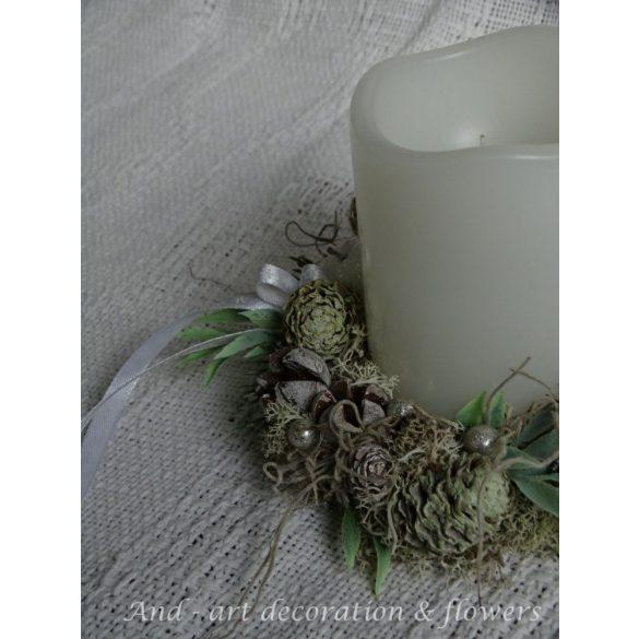 Téli- karácsonyi asztaldekoráció, gyertyagyűrű.