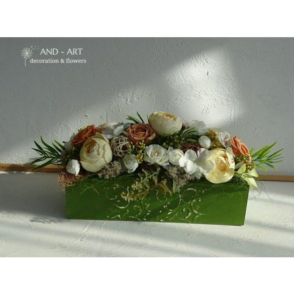 Romantic summer centerpiece, home decoration