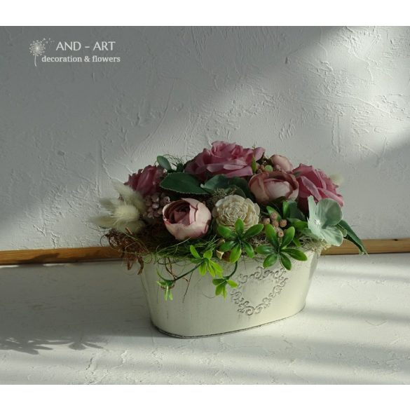 Vintage style summer decoration in 3 different color combinations